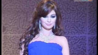Sonakshi Sinha & Ayesha Takia Walk The Ramp At The HDIL Fashion Show!! HQ