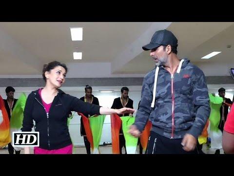 Fusion 2015: Madhuri & Akshay's Romantic Dance Rehearsal | Watch Video