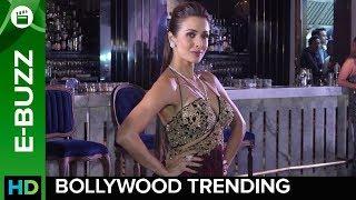 Malaika Arora scorches the ramp | Bollywood News | ErosNow eBuzz