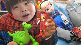 Frozen Elsa Spiderman VS Black Spiderman  graffiti SuperHeroes Kids スパイダーマン アナと雪の女王