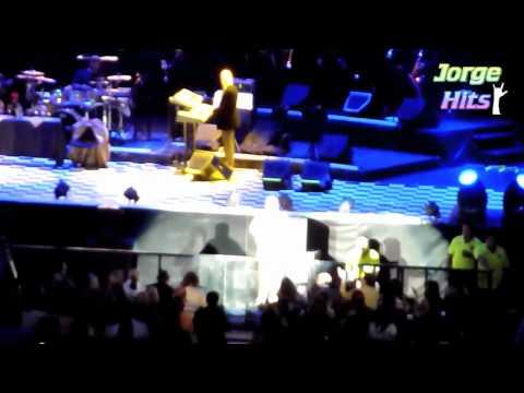JUAN GABRIEL cantando alabanzas Catolicas y Cristianas