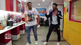 Terence Lewis teaches RJ Rishi Kapoor some crazy dance moves!