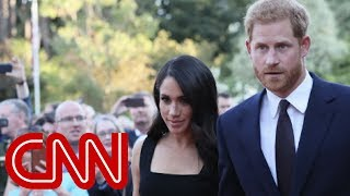 Meghan Markle expecting first child with Prince Harry