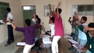 Nagin dance in classroom