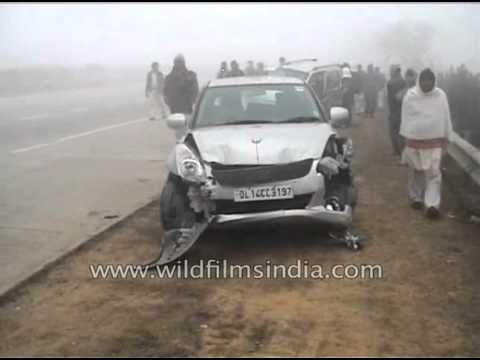 Massive! 25 vehicles collide on Yamuna Expressway in dense fog