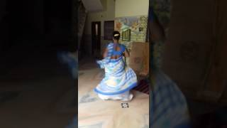 Hijra rocking