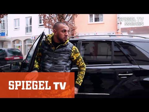 Xxx Mp4 Gangsta Rapper Mo Das Schrille Leben Einer Rotlichtgröße 3gp Sex
