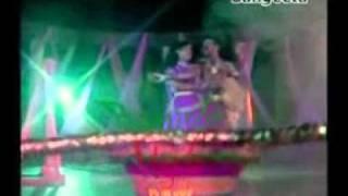 krishno aila radhar kunje
