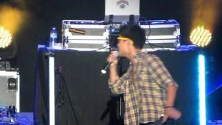 Kevjumba & Nigahiga - Nice Guys (Live)