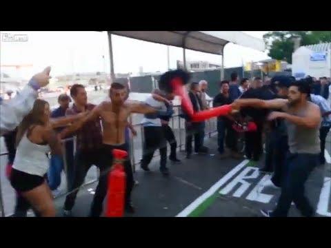Lucha entre mexicanos y americanos ebrios en la frontera.