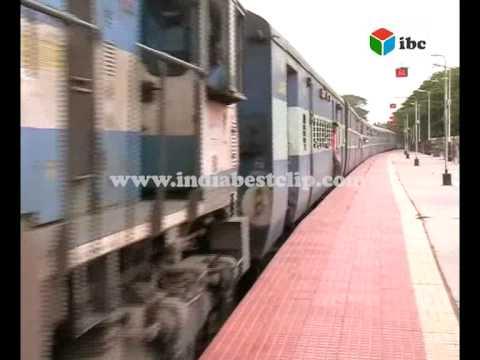 allu arjun in railway station