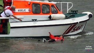 SOS Mann über Bord Tag der Seenotretter 2017 DGzRS Wilhelmshaven SAR Rettung aus Seenot