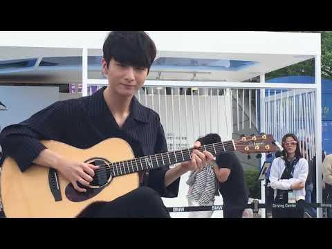 Download Lagu Flaming - Sungha Jung MP3