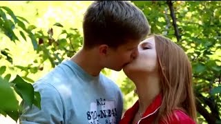 How to kiss a boy | Touching tongue tips kiss | How To Kiss | Kissing Lesson 2