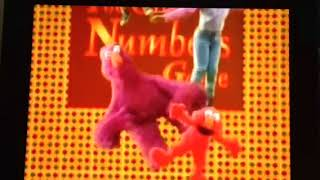 Sesame Street raising in the air to the great numbers game