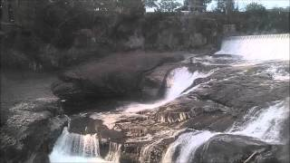 Waterfall & NA Flute background for Meditation 5 minutes