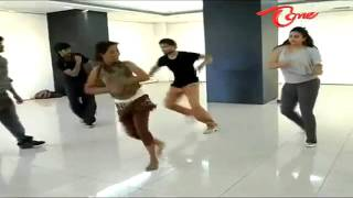 YouTube   Namitha   Dance Practice For Santosham Awards 2011 www useloo com