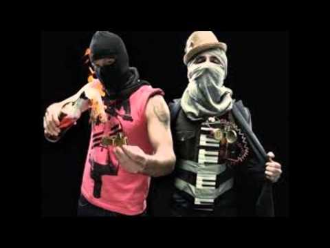 Calle 13 Los idiotas