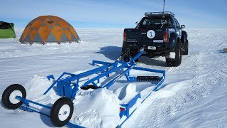 Servicing South Pole flights on the Antarctica High Plateau