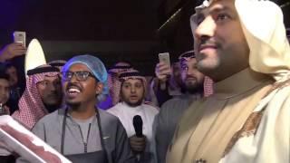 شاهد تركي بن عبدالله يتفاعل مع صنّاع الغذاء السعوديين في عرباتهم المتنقلة