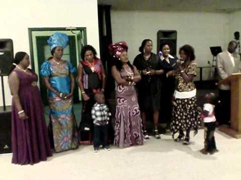 Aweil women choir Dec27 2010.AVI