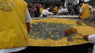 10,000 Egg Omelet Served at Belgium Festival
