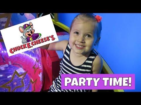 FUN BIRTHDAY PARTY AT CHUCK E CHEESE