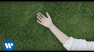 Laura Pausini - Simili (Lyric Video)
