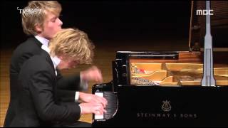 Schubert Fantasie in F minor - Lucas & Arthur Jussen