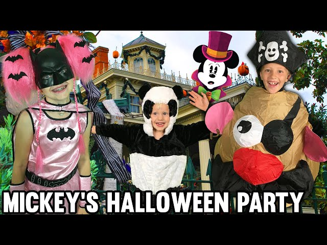 Mickey's Halloween Party at Disneyland & Huge Trick-or-Treat Candy Haul