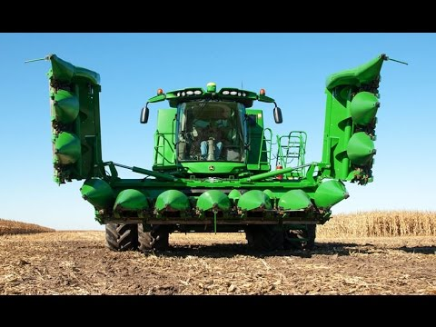 2016 John Deere S Series Combine and 612FC Folding Corn Head