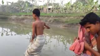 New Bangla Funny Tomi Dhob Dhiona Jole Konna Jenok Khoje Pabana Hasek Khoate Parbana Video 2017