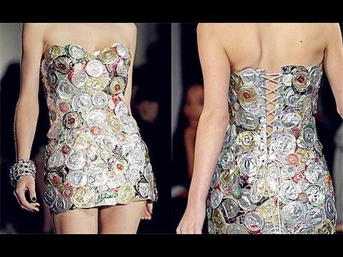 Un diseñador de moda usar meteriales de reciclaje en la Semana del China