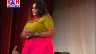 Nadia Gull Dance in Dubai Pashto Musical Show (pa muhabat zama iman de)