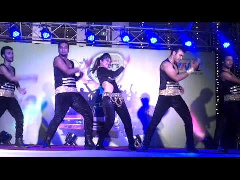 sunny leone dance baby doll at hotel citi inn by 17 degree event & weddings