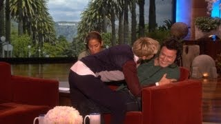 Exclusive! Ellen Serenades Andy