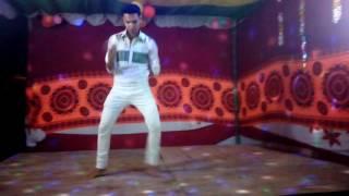 new bangla romantic song...jiboner boro porajoy mon dile jala pete hoy