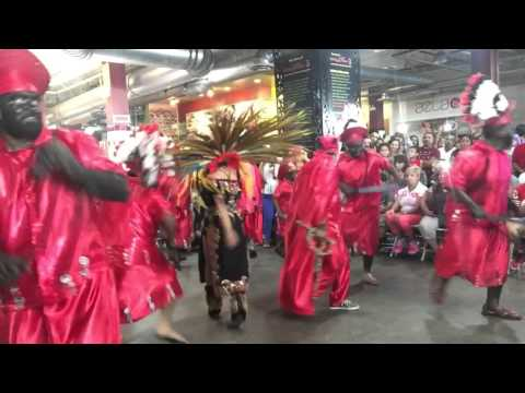 Vista Hermosa Mich Danza de Los Apaches en Los Angeles California 9 27 15 Video 2