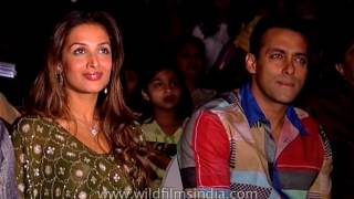Salman in audience, Malaika Arora Khan uncurtains contest poster of movie Wajahh