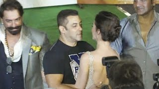 Salman Khan FLIRTS With Amy Jackson At Freaky Ali Trailer Launch