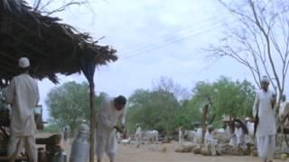 Best comedy scene ever -paresh raval (Malamal weekly)