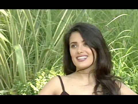 27-year-old Salma Hayek (1995 Interview)