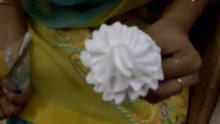 some nameless whipped cream flowers