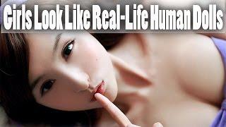 11女孩看起來像真正的人類娃娃