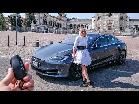 My Girlfriend Reacts to the Tesla Model S 100D 😂 Sub ENG