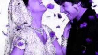 Chand Ko Bana Ke Tere Mathey Ki Bindia .¸¸ღ ♥♪*•.¸¸ღ