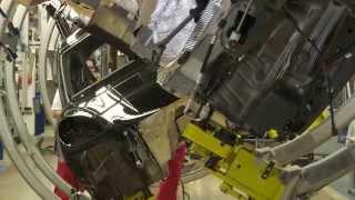 Porsche Macan S Production Leipzig - Assembly | AutoMotoTV