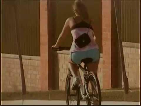 vintage test 1 chica en bici