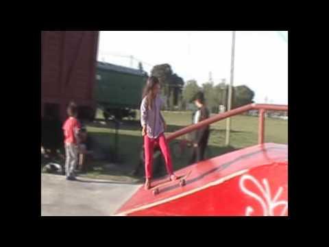 Pendejas Skateboarding 2 Pendejitas