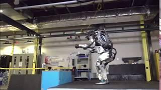 """بي_بي_سي_ترندينغ : الروبوت """"أطلس"""" فاتحة عصر آليين بمقاييس حركية"""
